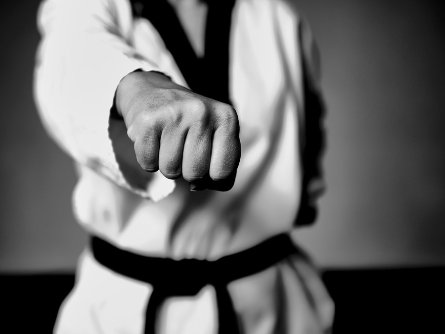 Why Self-Defense in Japan is not permitted smoothly?
