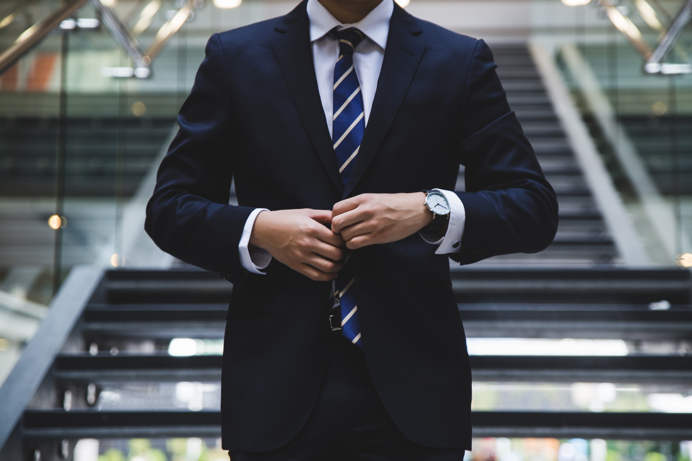 Instruction manual of how to deal with a boss.   10 solutions to the situations that confuse you how to deal with your boss   [Q & A]